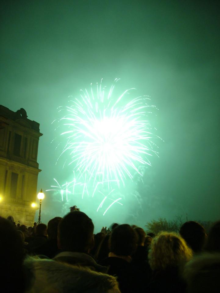 2004_1106allypallyfireworks0090