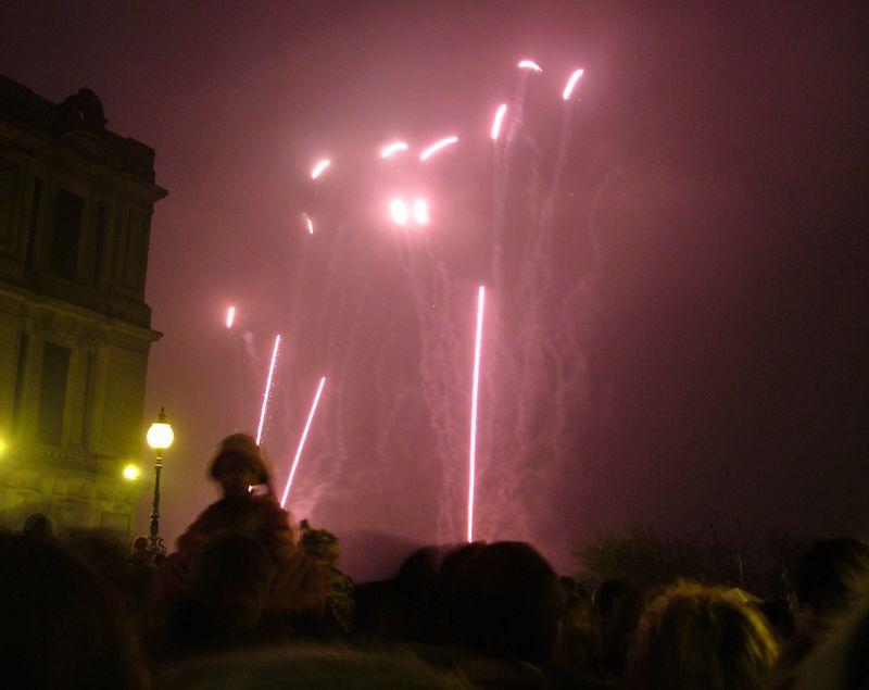 2004_1106allypallyfireworks0065