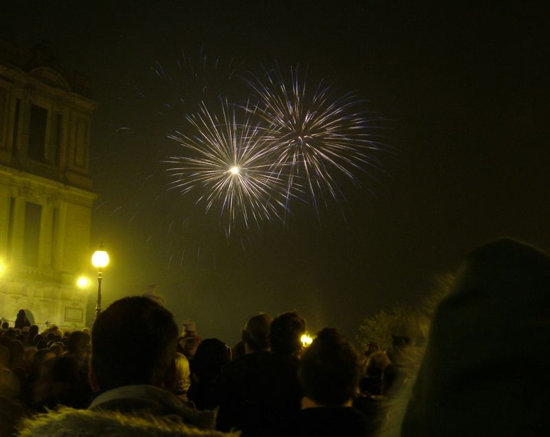 2004_1106allypallyfireworks0027