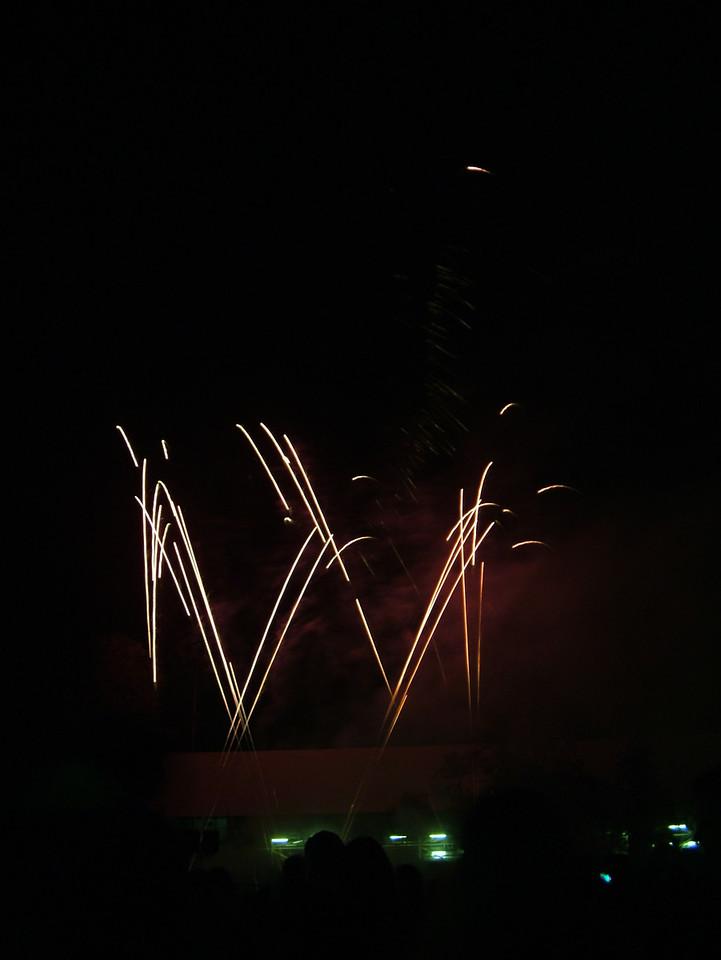 2004_1105putneyfireworks20061