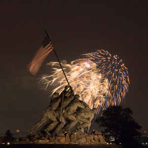 July 4th, 2007 Washington DC Fireworks as seen from the Iwo Jima Memorial