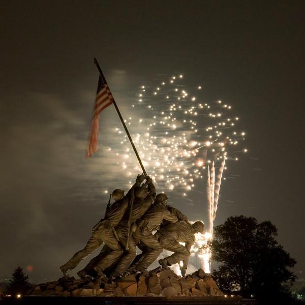 July 4th, 2007 Washington DC Fireworks as seen from the Iwo Jima Memorial