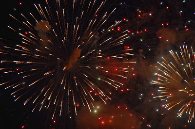 night-fireworks-2