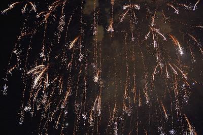 night-fireworks-3