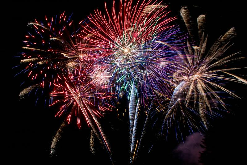 Fireworks-AmVillage-2014-27