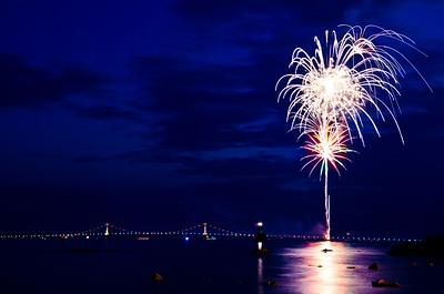 More Bridge Fireworks (Explored)