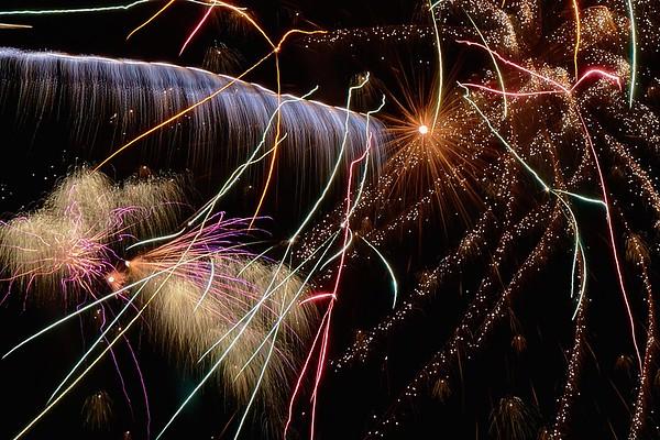 St Michael's fireworks_20141108_21-21-01__MG_3098_©derekrigler2014 2