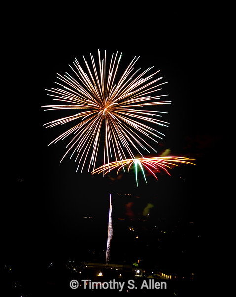 July 4th Celebration: Vertical and Horizontal Explosions