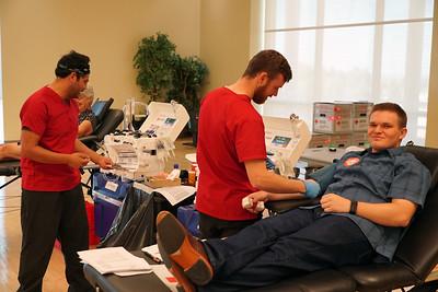 Jacob Hess donates blood