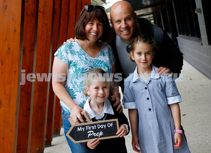 1-2-21. Back to school 2021. Mt Scopus College. Alison and Michael Wayburn with their daughters Bianca (left) and Claudia. Photo: Peter Haskin