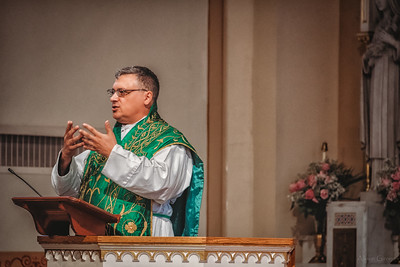 FSSP LatinMass St  Marys profile homily fr  gismondi hands-1