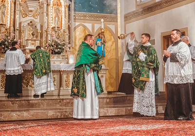 FSSP LatinMass St  Marys incense 4 -1
