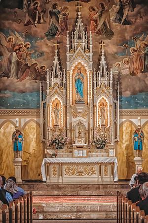 FSSP LatinMass St  Marys altar-1