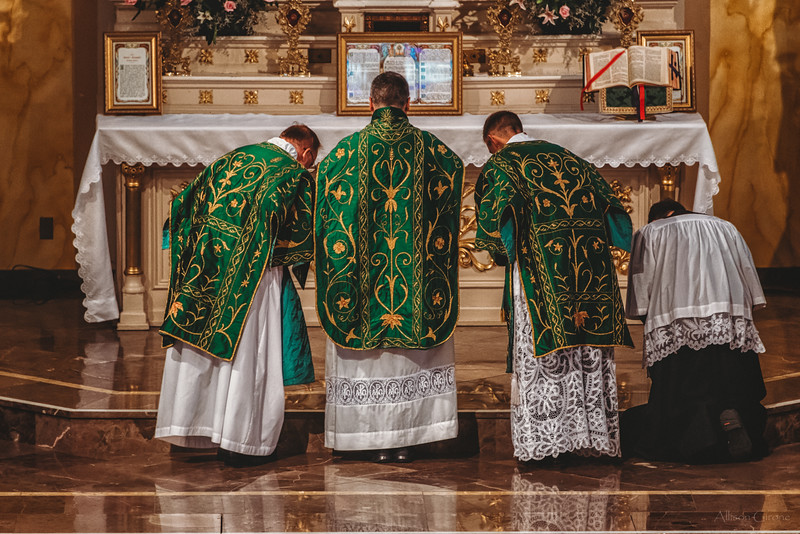 FSSP LatinMass St  Marys 3 priest altar 4-1