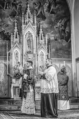 FSSP LatinMass St  Marys incense b+w-1