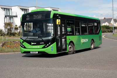 44954-WK18 BVE on the Mount Wise Roundabout, Newquay.