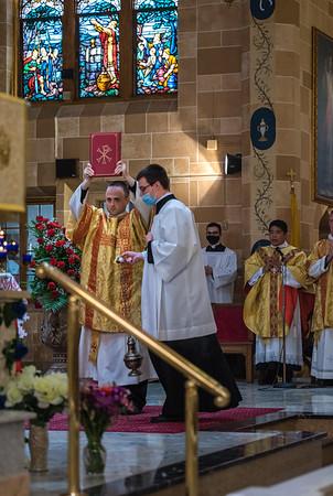 _NIK4137 Fr  Carlo Santa Teresa First Mass  _