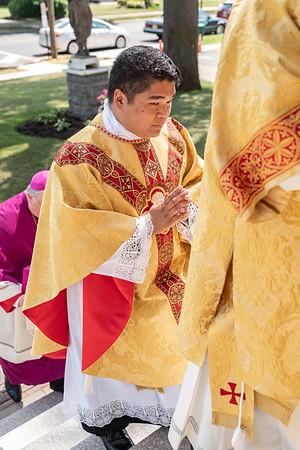 _NIK3952 Fr  Carlo Santa Teresa First Mass  _