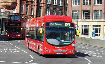 62995 - LK60HPN - London (Waterloo station) - 2.4.13