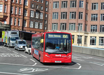 44251 - YX12AKU - London (Waterloo station) - 2.4.13