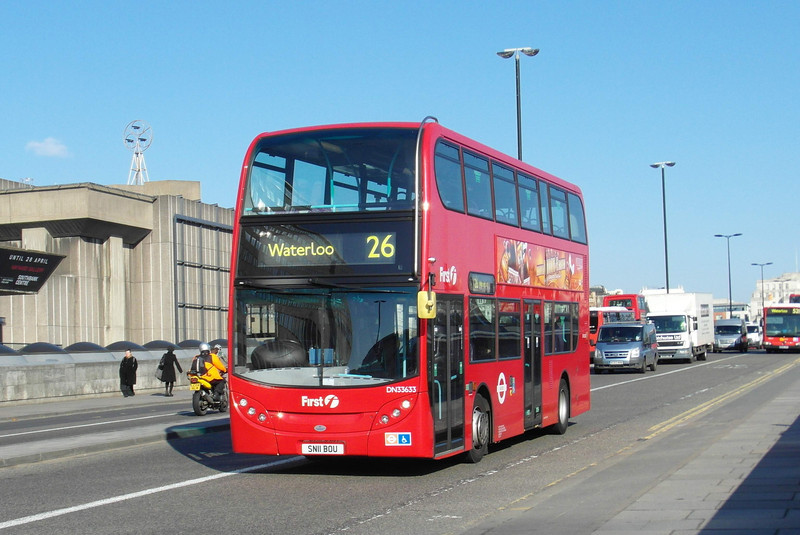 33633 - SN11BOU - London (Waterloo Bridge) - 2.4.13