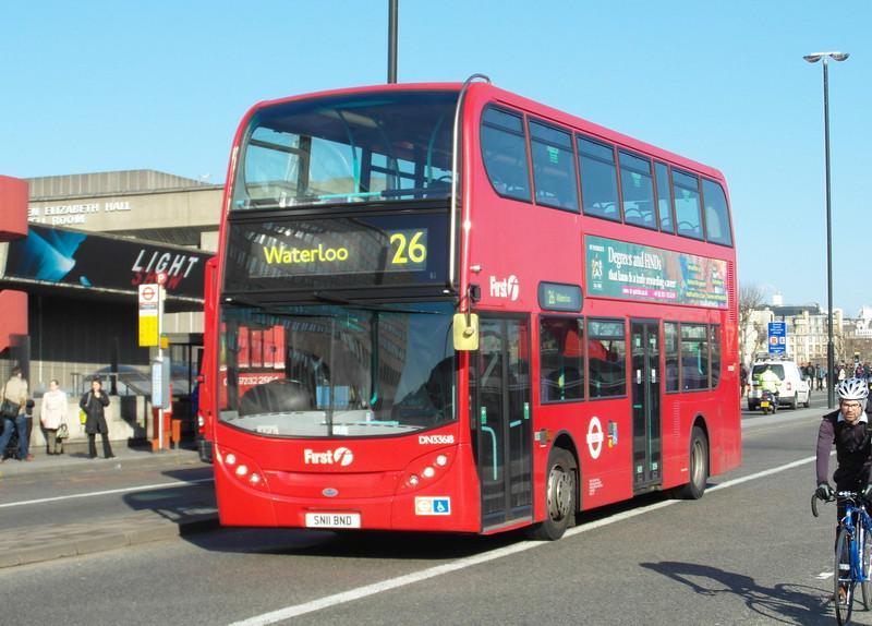 33618 - SN11BND - London (Waterloo Bridge) - 2.4.13