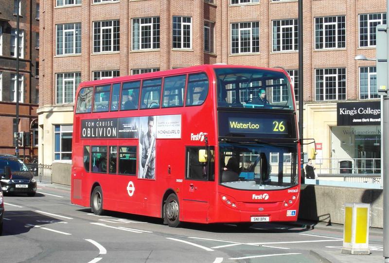 33637 - SN11BPK - London (Waterloo station) - 2.4.13