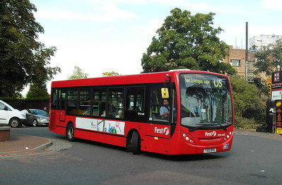 44151 - YX10BFN - West Drayton (railway station) - 22.9.12
