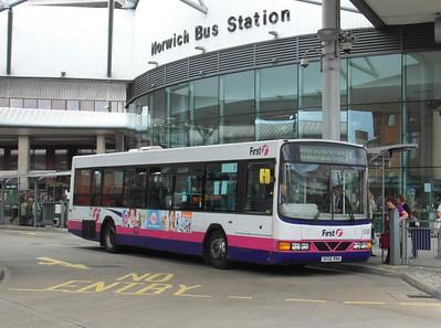 60807 - S658RNA - Norwich (bus station) - 30.7.12