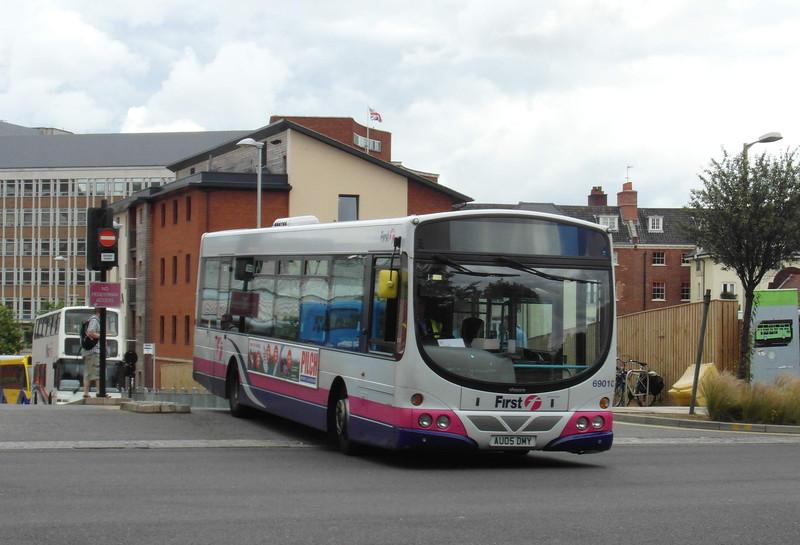69010 - AU05DMY - Norwich (bus station) - 30.7.12