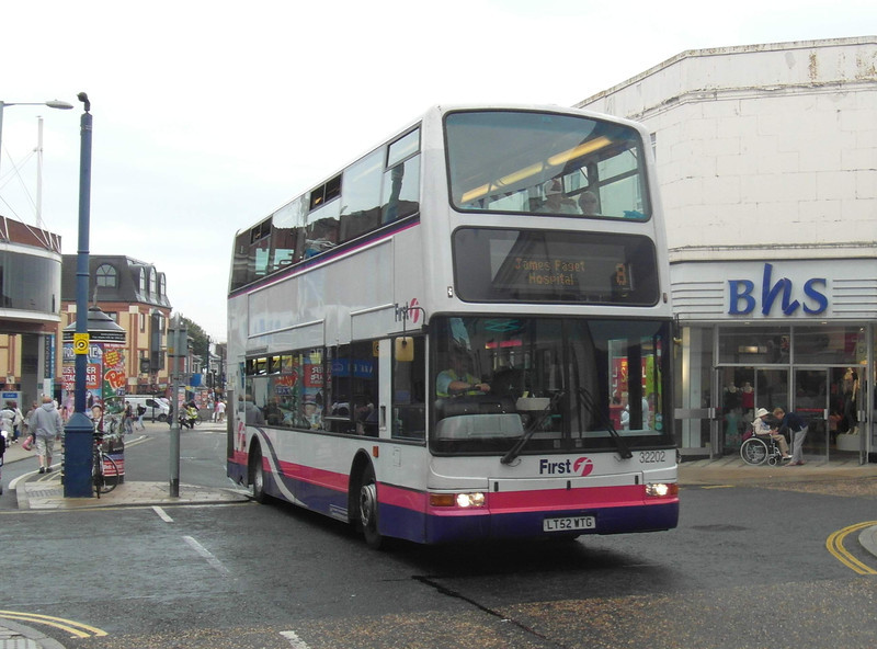 32202 - LT52WTG - Great Yarmouth (town centre) - 1.8.12