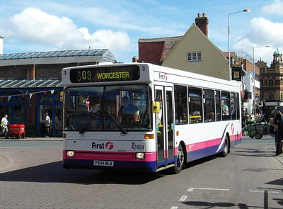 42404 - P404MLA - Worcester (Angel Place) - 28.8.12