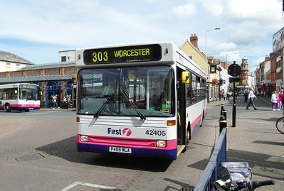 42405 - P405MLA - Worcester (Angel Place) - 28.8.12