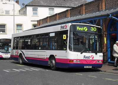 67323 - ODZ8923 - Worcester (Angel Place) - 20.4.11