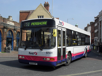 67301 - M221EAF - Worcester (Angel Place) - 20.4.11