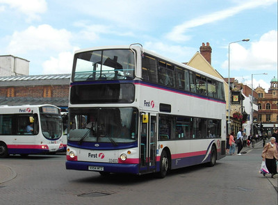 33403 - VX54MTZ - Worcester (Angel Place) - 28.8.12