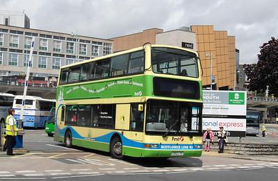 33176 - LR02LYV - Plymouth (Brentonside bus station) - 29.7.13