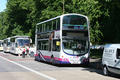37272 is the other Lithgae bus on the job.   Robert was away to find the conveniences.