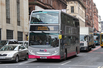 33901 is the first of 18 E400 standard diesel buses to be delivered to First Glasgow, seen here on Renfield Street.   She is in the First Hybrid livery to match 10 Hybrids to be delivered shortly for the 66, which has a low bridge requiring the use of lowheight deckers.