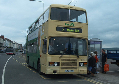 34543 - LWS43Y - Weymouth (King's Statue) - 1.6.04