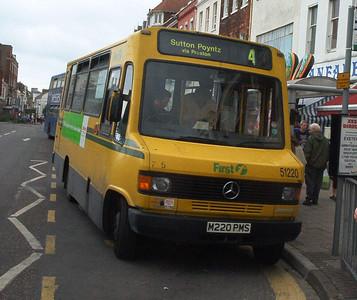51220 - M220PMS - Weymouth (King's Statue) - 1.6.04