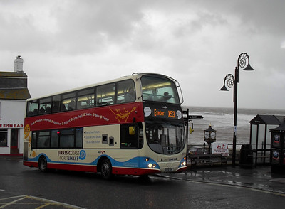 37580 - HX08DHL - Lyme Regis - 29.11.09