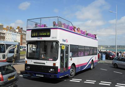 38015 - E215BTA - Weymouth (King's Statue) - 10.8.11