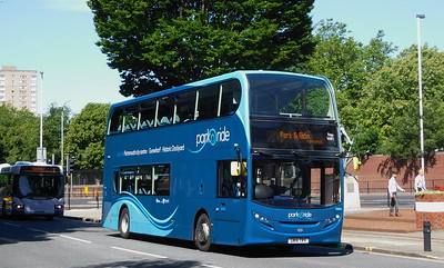 33896 - SN14TRV - Portsmouth (Bishop Crispian Way)