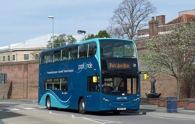 33896 - SN14TRV - Portsmouth (Queen St) - 12.4.14
