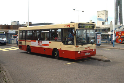 46315 - M315YOT - Portsmouth (The Hard) - May 2003
