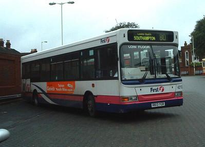 42113 - R613YCR - Fareham (bus station) - 2.2.04