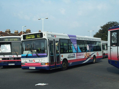 42131 - S631KTP - Fareham (bus station) - 25.8.03
