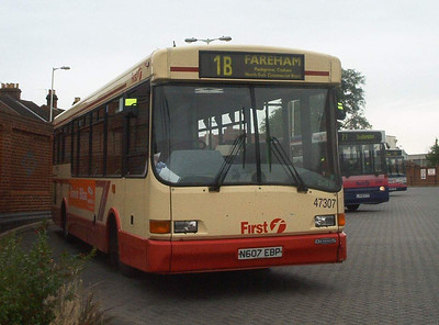47307 - N607EBP - Fareham (bus station) - 4.7.04