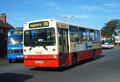 45382 - JDZ2382 - Fareham (bus station) - August 2003